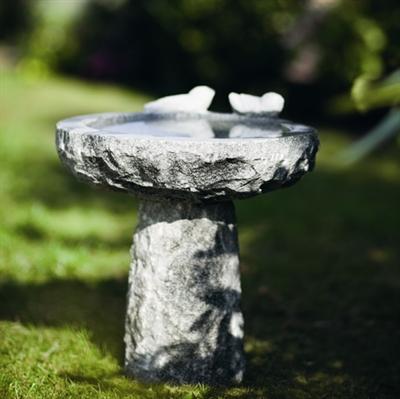 Fuglebade i granit