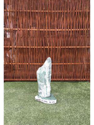 Grøn granit søjle på granit sokkel fra Norge nummer 19026